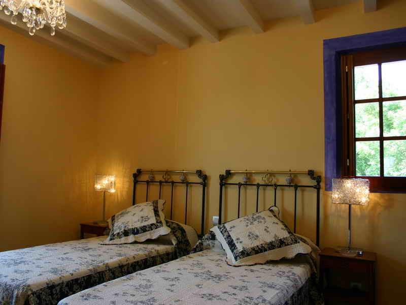Posada El Hidalgo delicados colores en las habitaciones