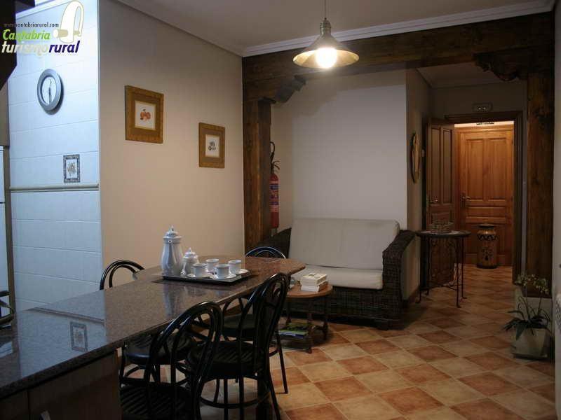 Viviendas rurales Santa Eulalia detalle del salón comedor
